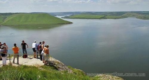 Dank den Felsen und der Bucht herrscht in Bakota ein besonderes Klima