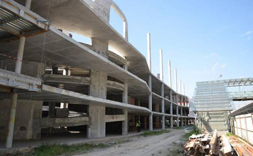 unfertiges Parkhaus Flughafen Boryspil