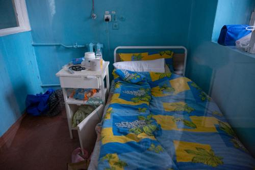 Ein separates, boxenartiges Einzelzimmer in der Infektionsabteilung.