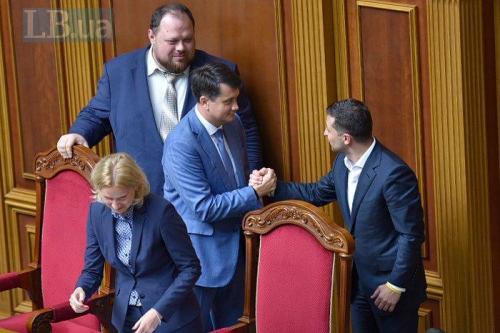 Parlamentschef Dmytro Rasumkow und Präsident Wolodymyr Selenskyj