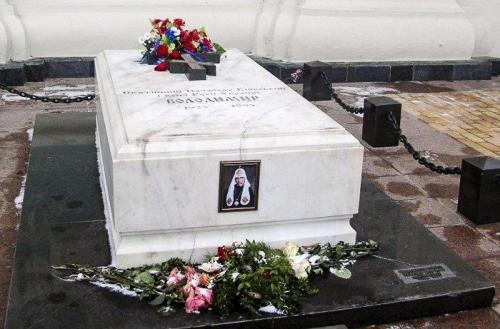 Grab von Patriarch Wolodymyr an der Sophienkathedrale
