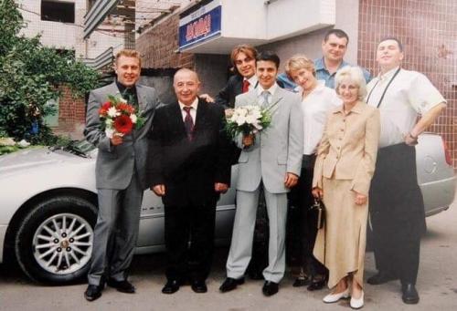 Wladimir Selenskij - Wolodymyr Selenskyj mit seiner Frau Jelena / Olena den Eltern und Freunden bei der Hochzeit
