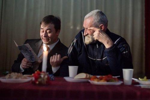 Jurij Lifanse Weihnachtsessen für Obdachlose in Kiew