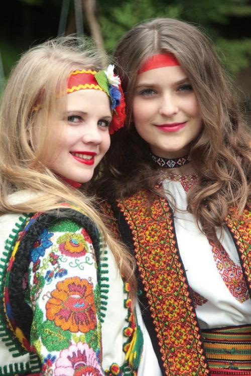 """""""Mädchen aus dem Kosovo"""" Wassilj Bilenko, Herkunft: zn.ua"""