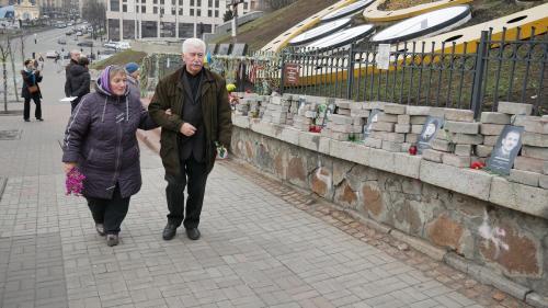 Die Eltern Wolodymyr Melnytschuks erzählen, dass die Mörder ihres Sohnes zur Schar der Berkut gehörten, die man gegen die ukrainischen Gefangenen ausgetauscht hat. Foto: Eldar Sarachman