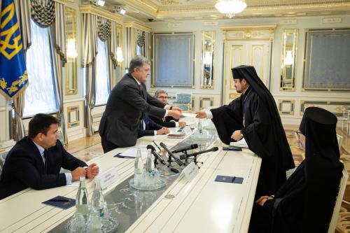 Petro Poroschenko trifft sich mit den Exarchen des Ökumenischen Patriarchen Bartholomäus