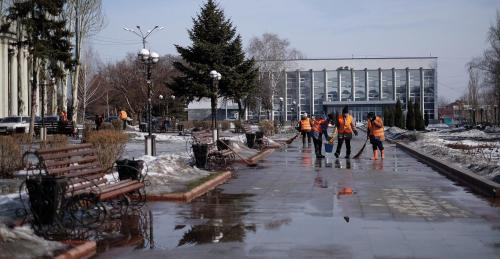Saubermachen in Pokrowsk (Krasnoarmejsk)