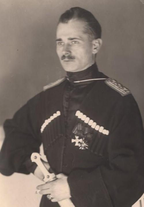 """Iwan Poltawez-Ostrjanynzja, der wahrscheinliche Autor der Formulierung """"Slawa Ukrajini! - Hetmanowi slawa!"""" und """"Slawa Ukrajini! - Kosaztwu slawa!"""" in den Jahren 1918 und 1925, Foto: Plast-Museum in den USA"""