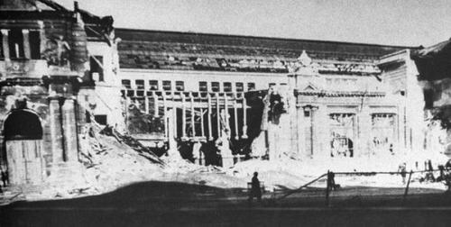 Lwiwer Bahnhof nach der Bombardierung am 1. September 1939.