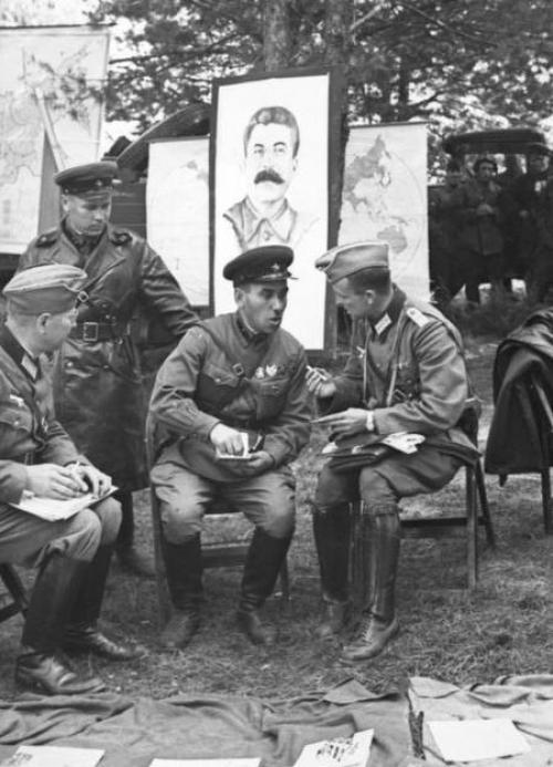 Die Wehrmacht und die Rote Armee mussten im September 1939 ständig ihre Handlungen koordinieren.