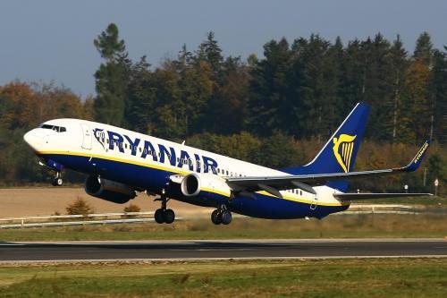 Ryanair: startendes Flugzeug